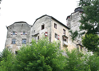 Das Verhältnis von Burg und Stadt Friedberg - Zwischen Dualismus und Konflikt